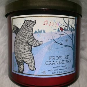 Frosted Cranberry 🐻 3Wick candle
